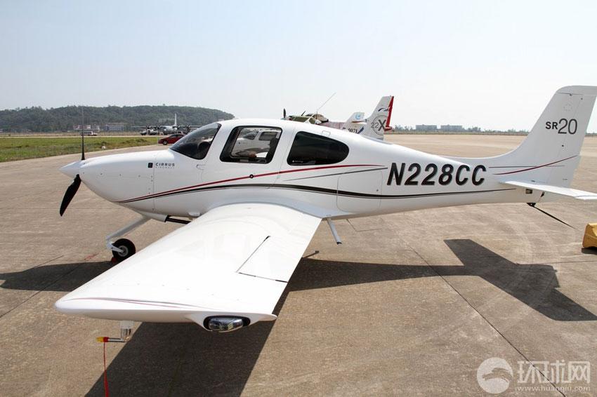 张加军/西瑞公司SR20轻型运动飞机摄影:环球网记者张加军