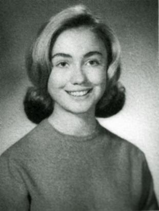 1965年,希拉里在帕克里奇市就读高中时的照片。(AP Photo)