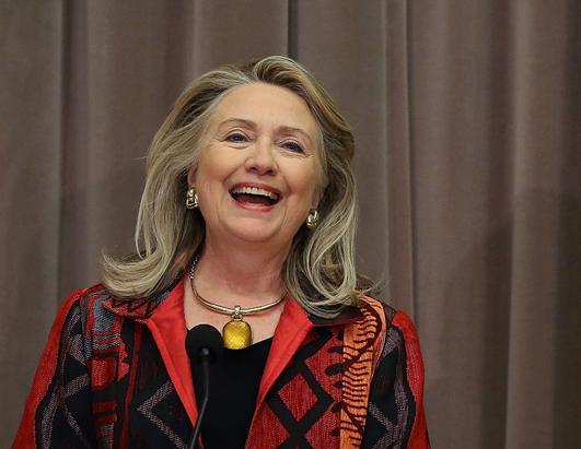 2012年10月25日,美国国务卿希拉里在国务院讲话,第二天是她65岁生日。(Mark Wilson/Getty Images)