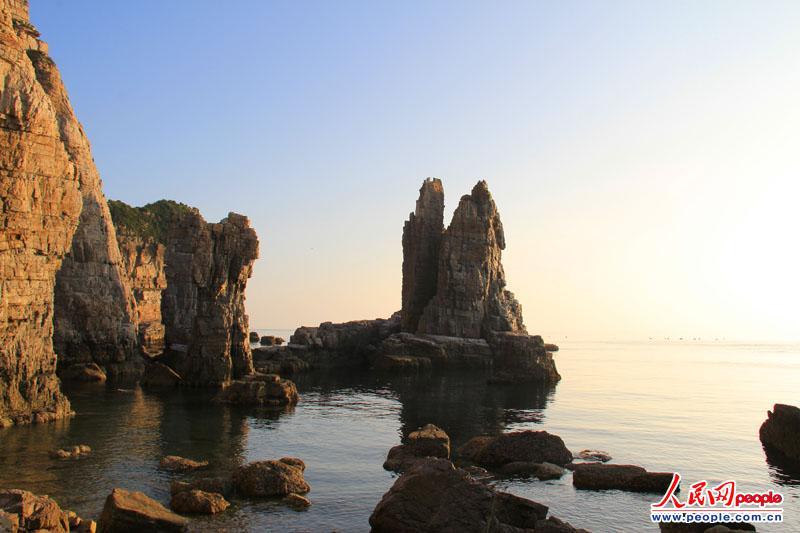 近日,记者来到了韩国最西段的白翎岛进行采访.