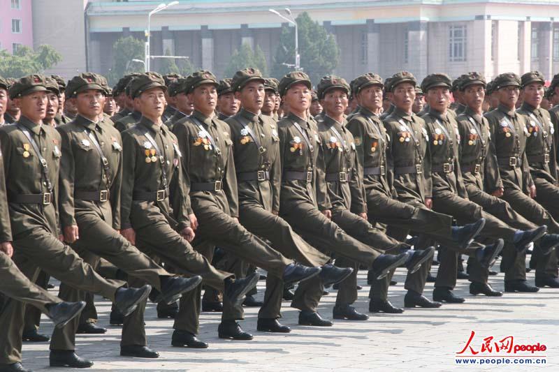 朝鲜阅兵式2013高清_高清:朝鲜举行阅兵式和群众游行庆祝建国65周年【14】--国际 ...