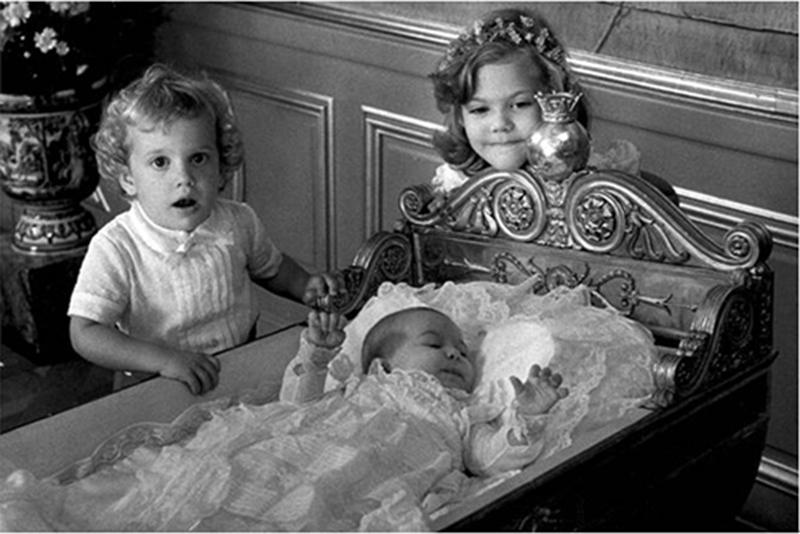 玛德莲/图为玛德莲公主当年洗礼的照片图片来源:瑞典日报