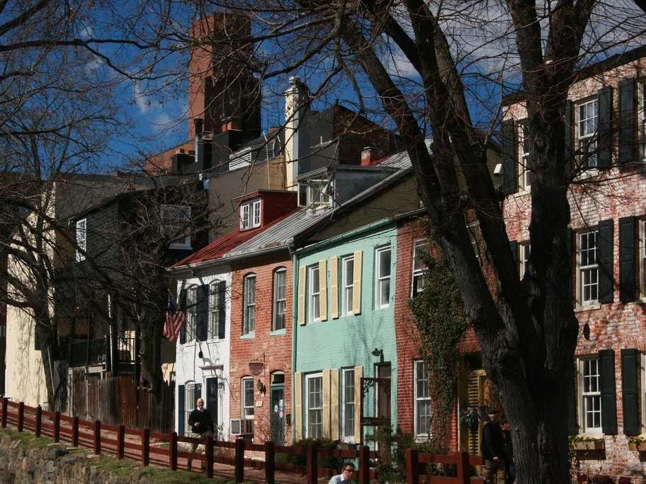 盛顿人口:582,049房屋价格中位数: $403,600&#13