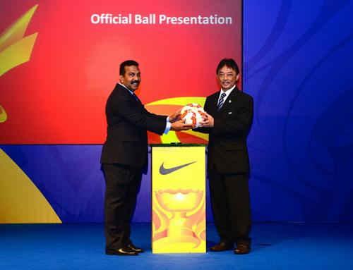 2015澳大利亚亚洲杯官方比赛用球在吉隆坡发
