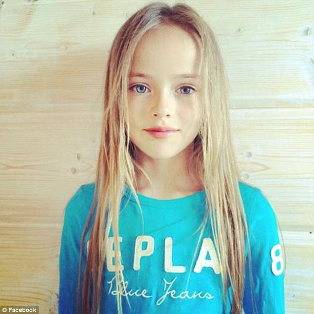 9岁超模穿太性感引争议 外媒称或是母亲敛财工