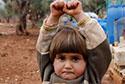 叙女童错将相机当武器