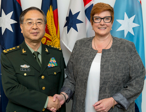 房峰辉会见澳大利亚国防部长并与国防军司令会谈