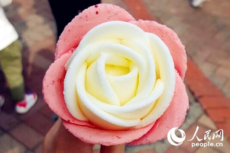 花朵对折剪纸步骤图解