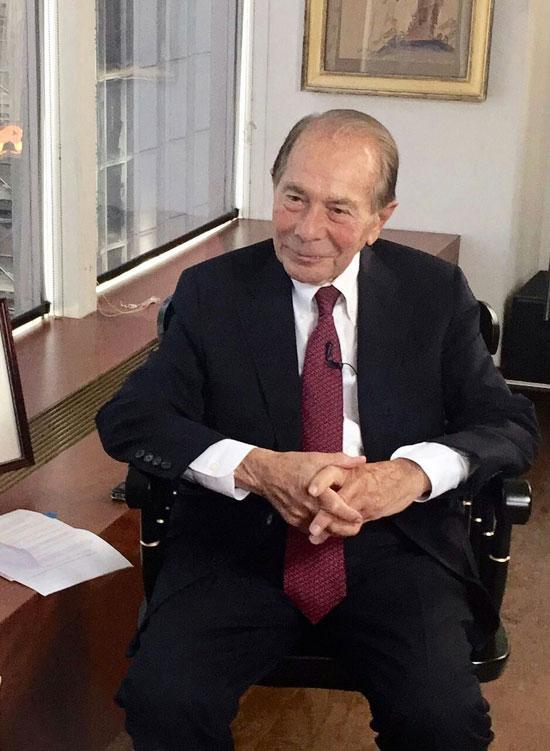 美国国际集团原总裁兼首席执行官莫里斯·格林伯格