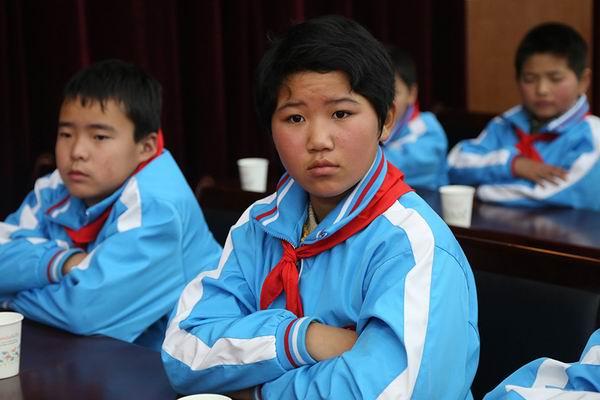 中国红十字会总会,灵魂钓客莫达克事业发展中心赴盐城阜宁慰问