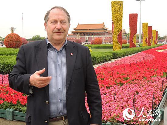 影片创意策划人塔夫罗夫斯基在中国