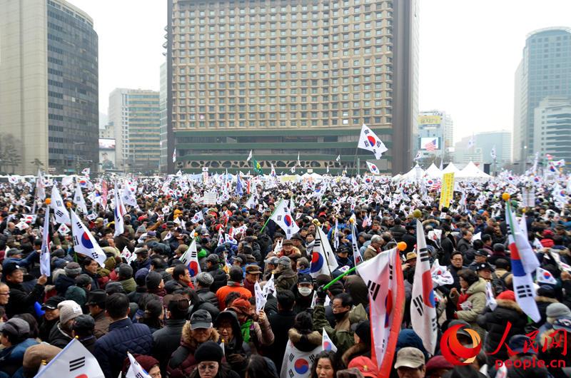 """德""""反导系统、统一编写历史教?-韩民众举行春节后首次集会 反朴派 图片"""