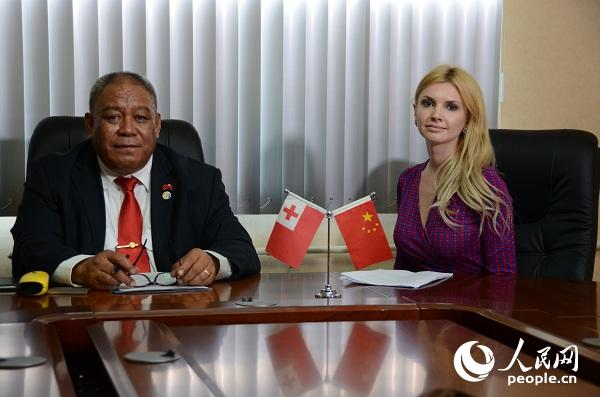 """专访汤加财政和规划部长:一带一路推动全球""""合作共赢"""""""