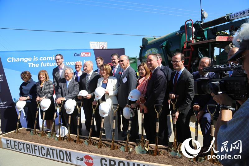 美国硅谷通勤火车开始步入现代化