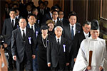 """参拜靖国神社是日本政客的公然挑衅参拜是在向侵略战争""""膜拜"""",向广大被侵略国家的人民示威。【详细】"""