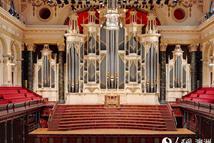 悉尼市政厅古老管风琴奏响新曲