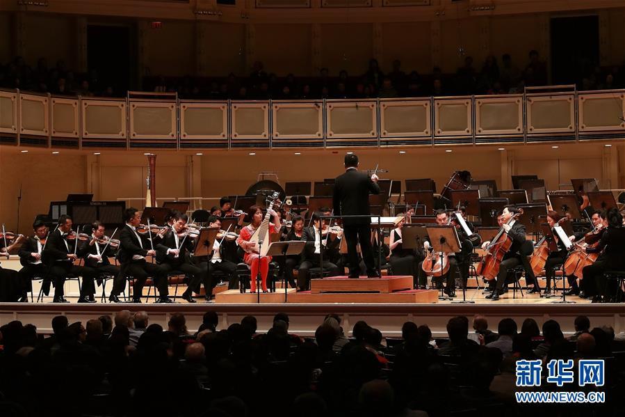 10月28日,在美国芝加哥交响乐团音乐厅,中国国家大剧院管弦乐团进行演出。