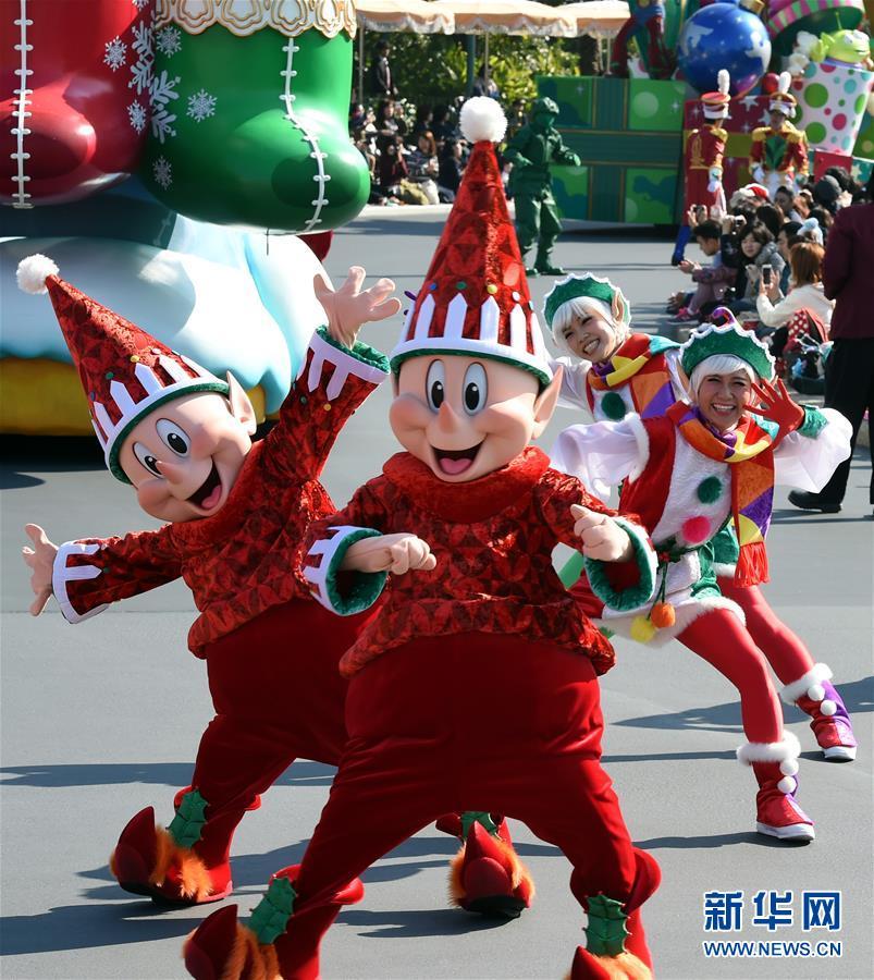 东京迪士尼乐园举行圣诞巡游【2】