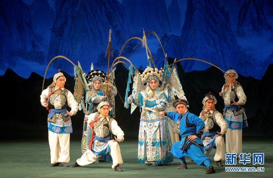 中国国家京剧院携《杨门女将》韵扬圣彼得堡【2】