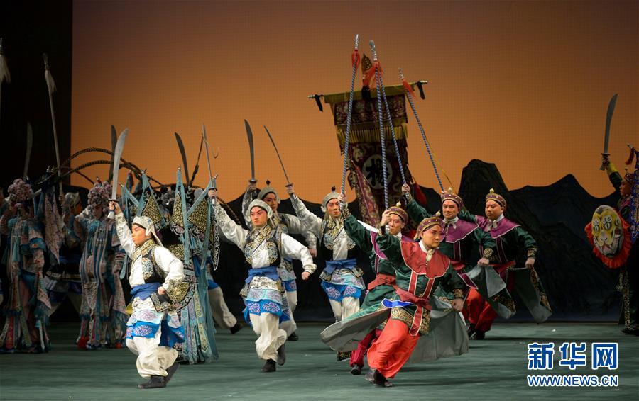 中国国家京剧院携《杨门女将》韵扬圣彼得堡