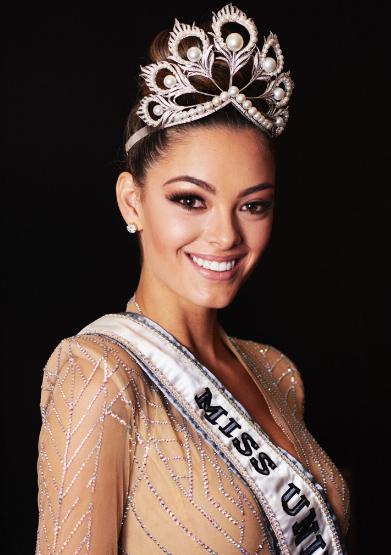 南非小姐摘得2017年环球小姐桂冠