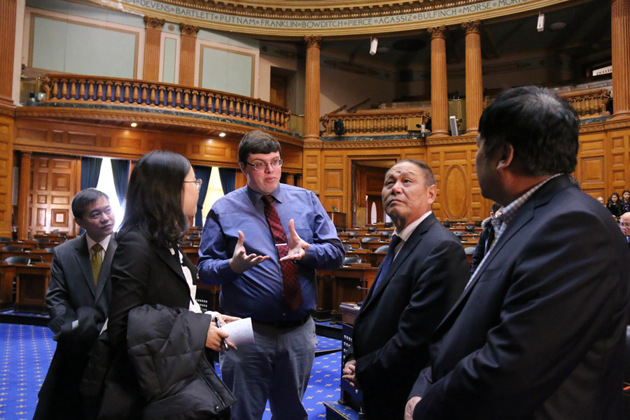 全国人大西藏代表团访问波士顿
