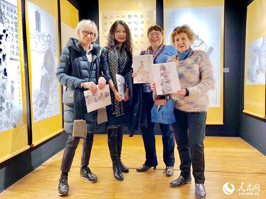 中国:曲真慧作为亚洲艺术家代表受邀2017法国国际艺术沙龙展