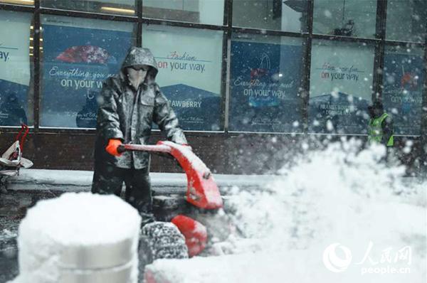 风雪中的纽约曼哈顿街景。李立言摄影