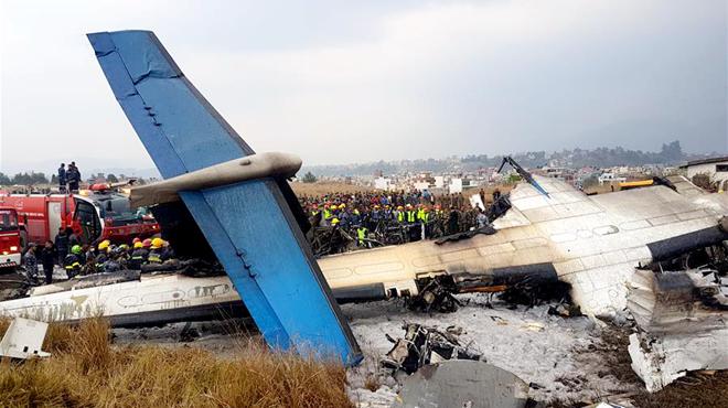 一架孟加拉国客机在尼泊尔坠毁