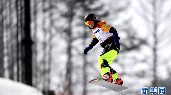 平昌冬残奥会 中国选手孙奇晋级单板滑雪八分之一决赛