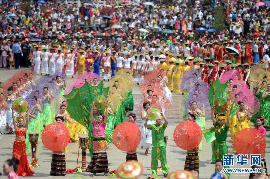 吉祥水花中迎新年——中国与东南亚国家的泼水节这样过