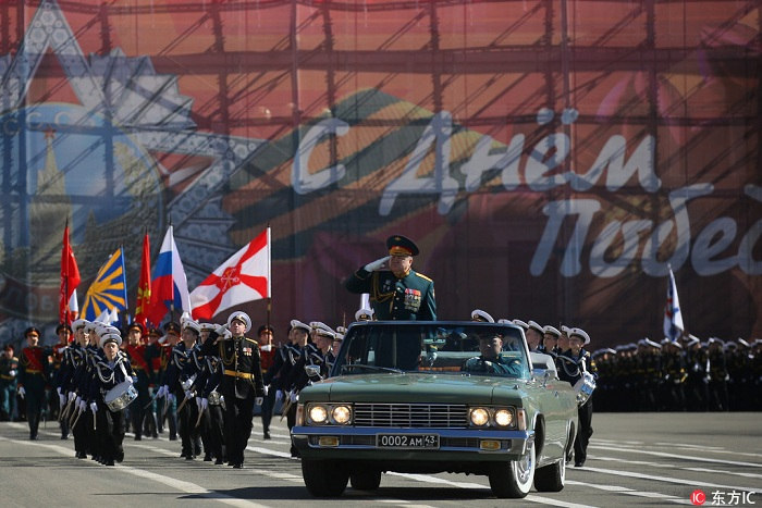 当地时间2018年5月6日,俄罗斯莫斯科,莫斯科红场举行胜利日阅兵带妆彩排。据悉,俄罗斯将于5月9日举行红场阅兵,纪念卫国战争胜利73周年。(图片来自东方IC 版权所有 请勿转载)