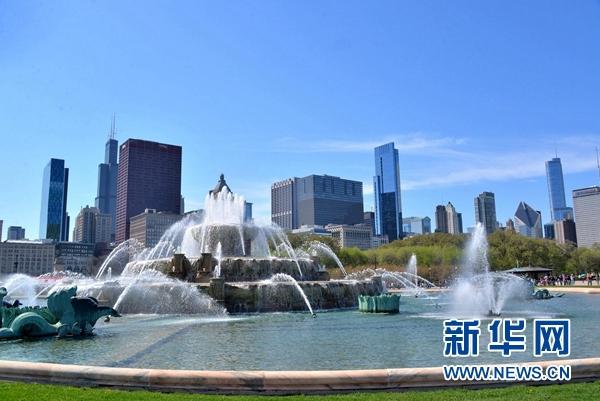 """""""白金汉喷泉""""是世界上最大的喷泉之一,每分钟循环喷水达8000加仑。新华网发 张大卫摄"""