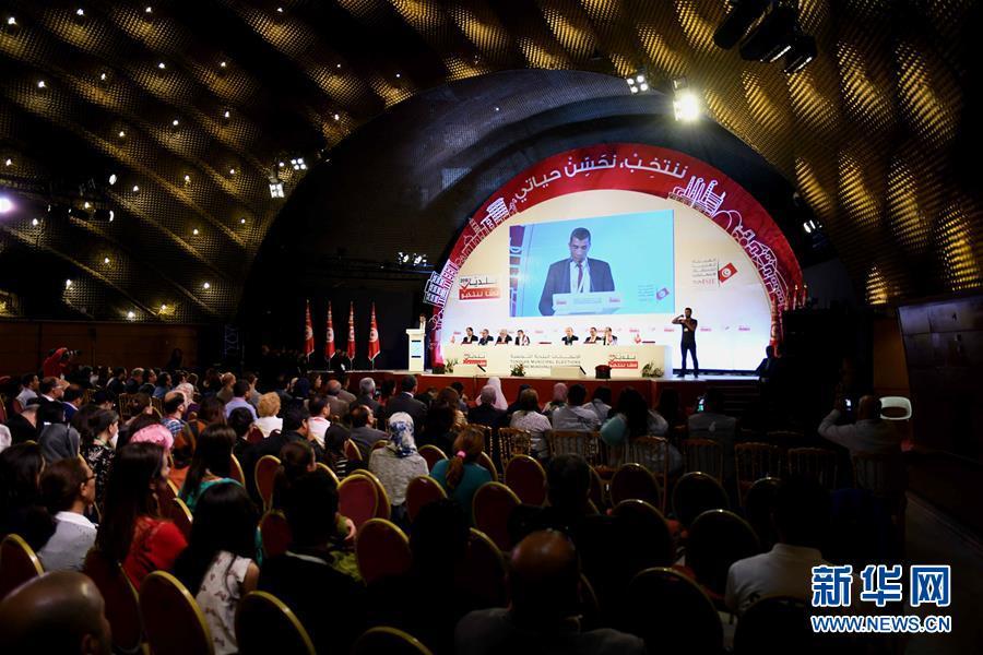 5月9日,突尼斯最高独立选举委员会在首都突尼斯城宣布地方选举结果。