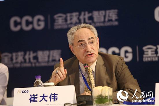 香港科技大学人文与社会科学院副院长崔大伟发言。