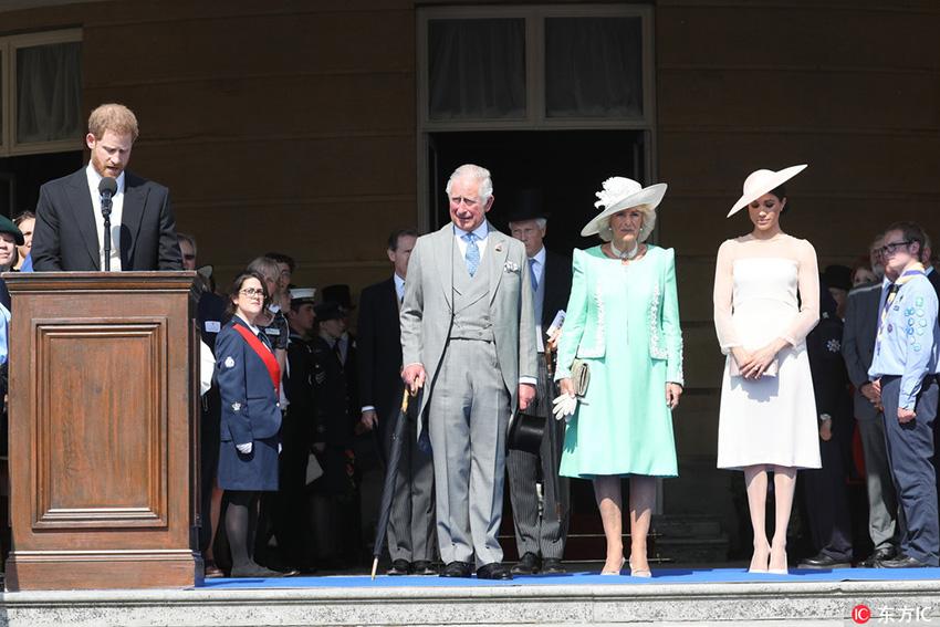 为查尔斯庆生!哈里王子夫妇新婚后首露面