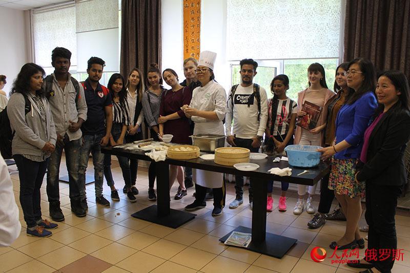 """中俄旅游学院""""一带一路""""中国文化节在莫斯科成功举办"""