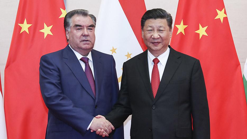 习近平会见塔吉克斯坦总统拉赫蒙