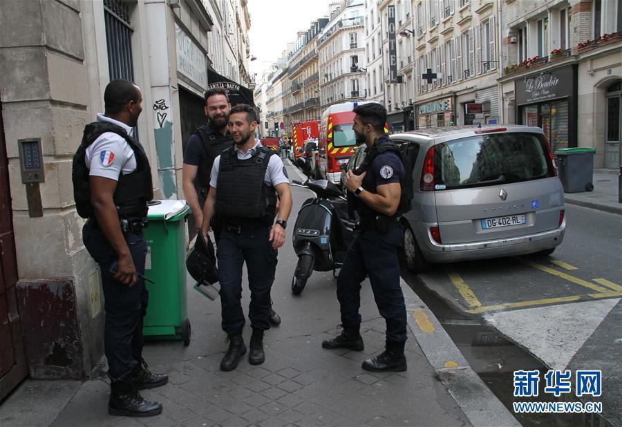 法国巴黎发生人质劫持事件