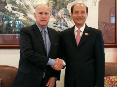 中国驻旧金山总领事会见美国加州州长