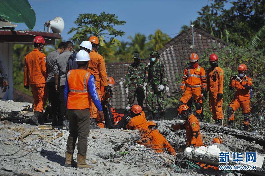 印尼龙目岛地震死亡人数上升至98人