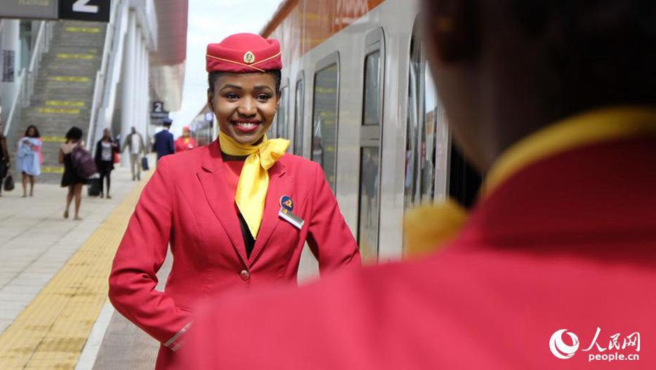 肯尼亚蒙内铁路乘务员掠影