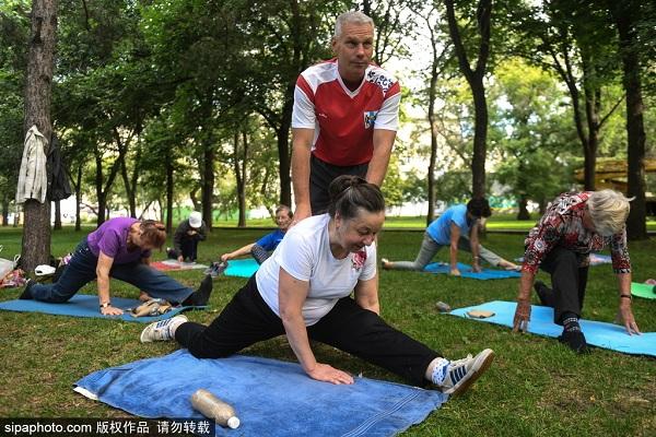 51战斗民族俄罗斯老人的晨练都有啥项目?