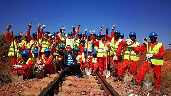 """""""一带一路""""上的风景,安哥拉本格拉铁路。"""