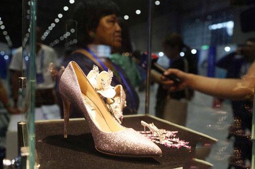 价值3000万人民币的珠宝鞋