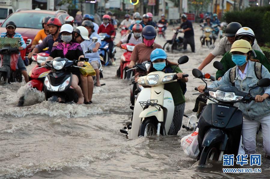越南芹苴潮水泛滥