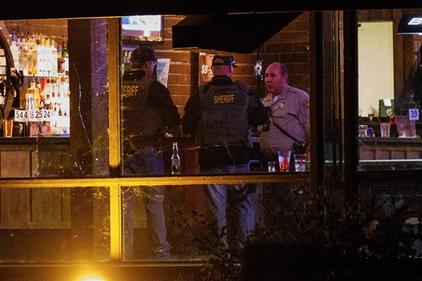 美国加州酒吧枪击案已致13人死亡