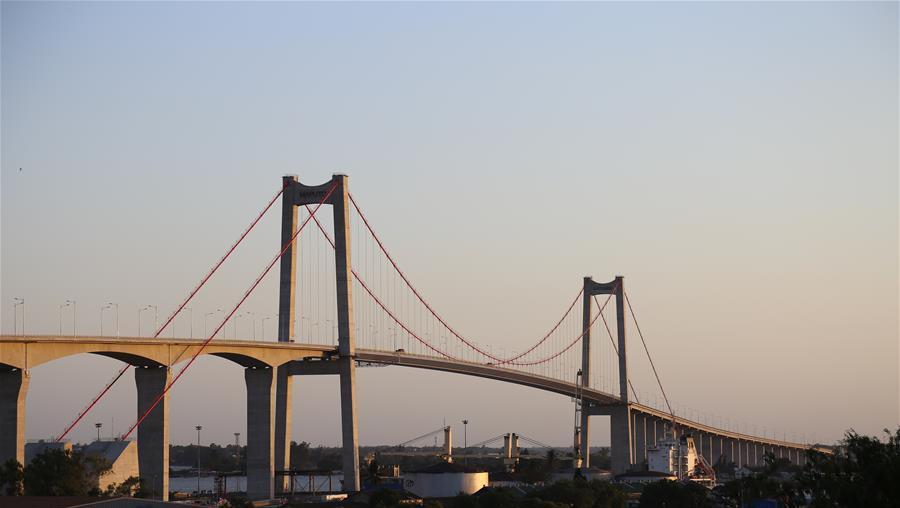 中企承建大桥献礼莫桑比克首都建城131周年