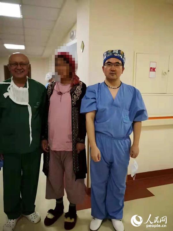 中国医疗专家在乌兹别克斯坦治病救人