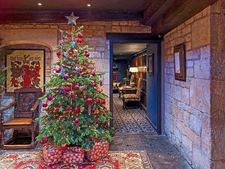 节日盛宴:英国精品酒店的圣诞套餐